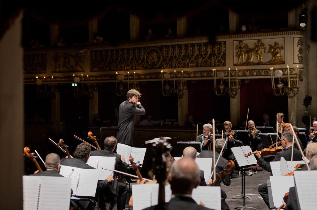 San Carlo in diretta streaming, si comincia con Beethoven