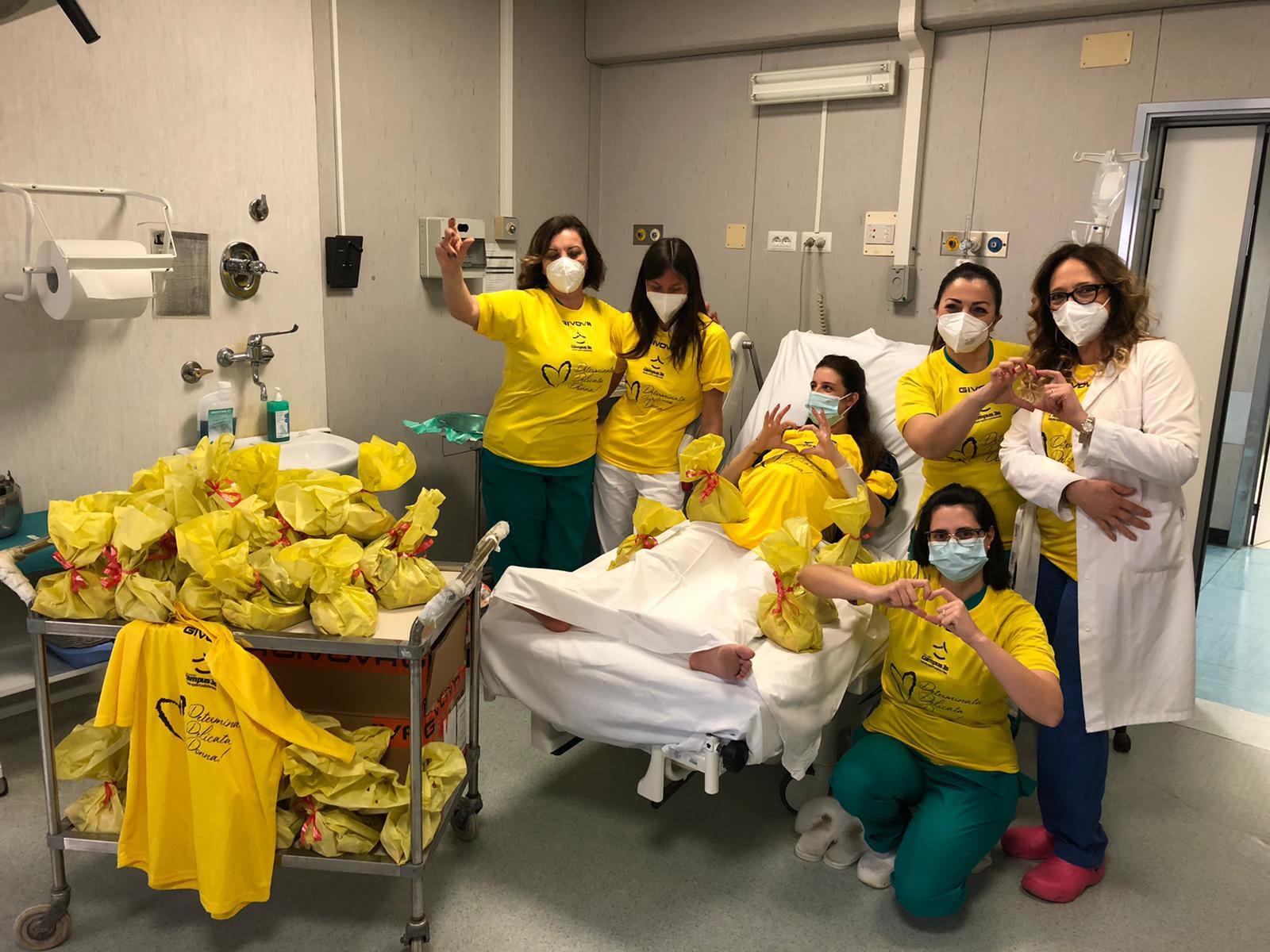 Colombe e uova di Pasqua al Policlinico Federico II di Napoli per promuovere i vaccini