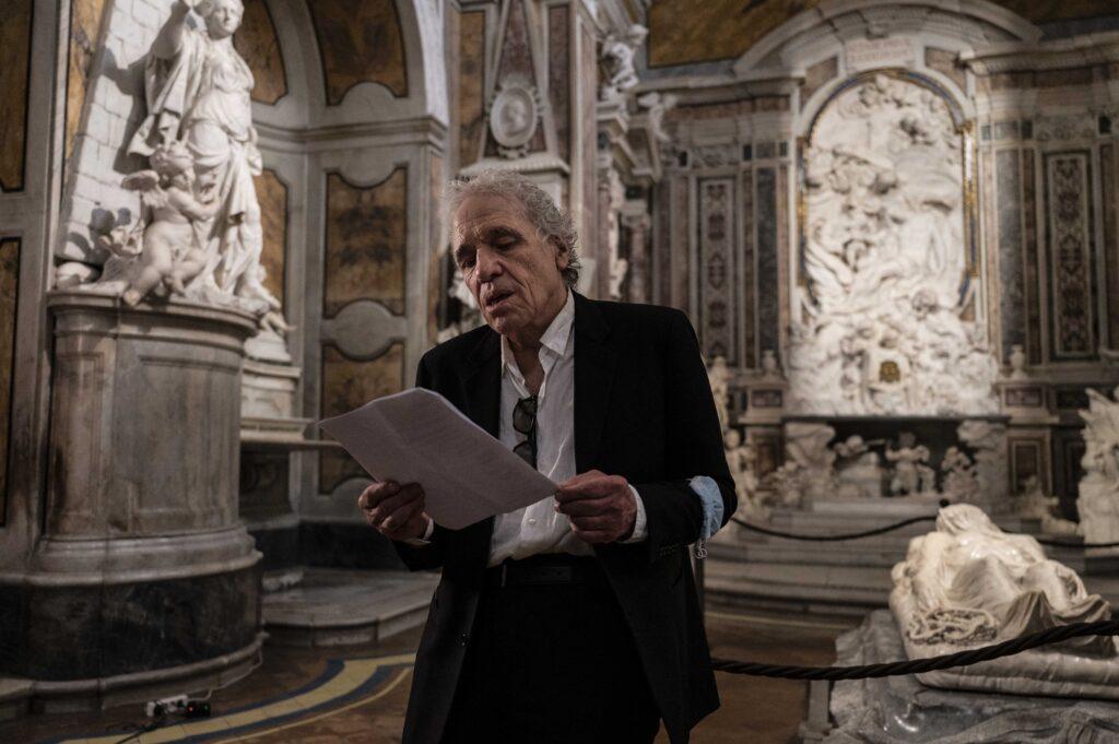 Abel Ferrara legge i versi di Tinti davanti al Cristo velato
