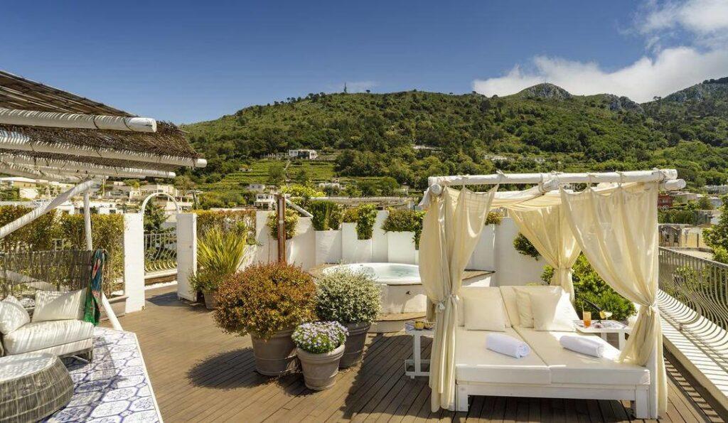 Comincia una nuova stagione all'Hotel Villa Blu Capri con l'isola Covid Free